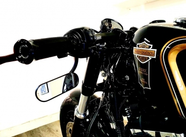 Peinture moto Noir Filet Or et logo Harley Davidson Fire  - FRENCH KHUSTOM by Art Mattwell's