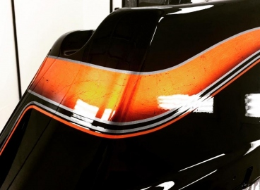 Peinture sacoche Harley-Davidson - Noir déco feuille d'argent candy orange  - FRENCH KHUSTOM by Art Mattwell's